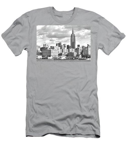 Manhattan Skyline No. 7-2 Men's T-Shirt (Athletic Fit)