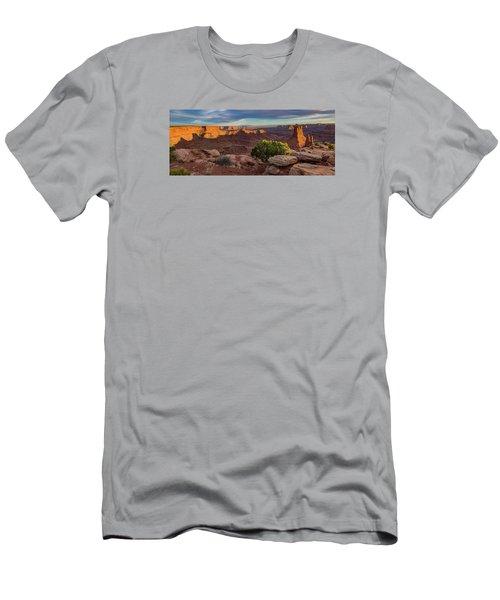 Marlboro Point Sunset Panorama Men's T-Shirt (Athletic Fit)