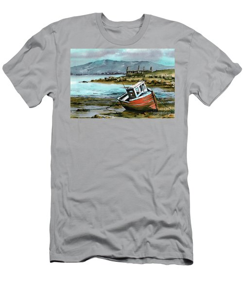 Mayo..red Boat At Coraun. Men's T-Shirt (Athletic Fit)