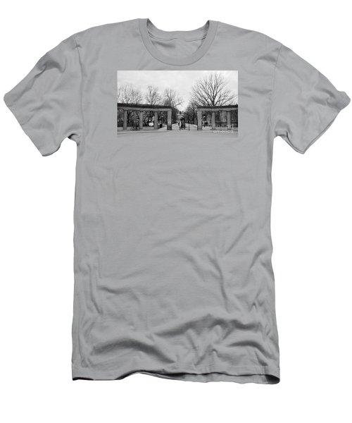 Mcgill Gates Men's T-Shirt (Athletic Fit)