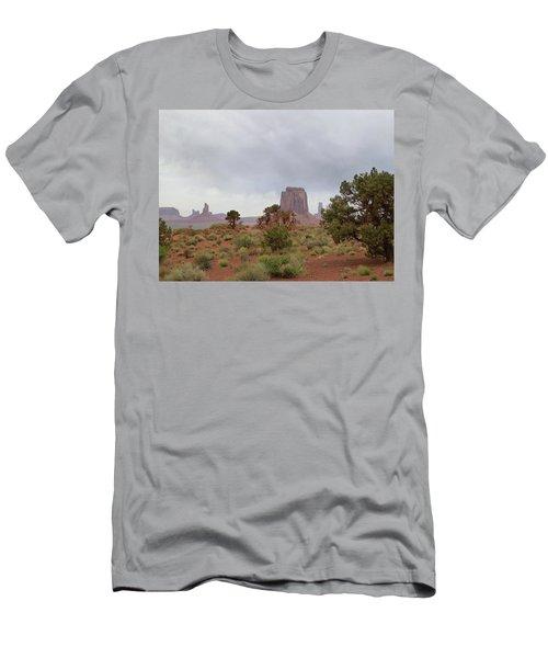 Misty Monument Valley Men's T-Shirt (Athletic Fit)