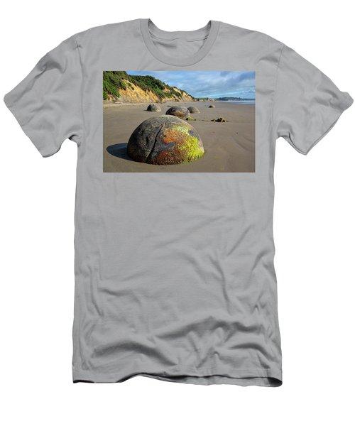 Moeraki Boulders Men's T-Shirt (Athletic Fit)