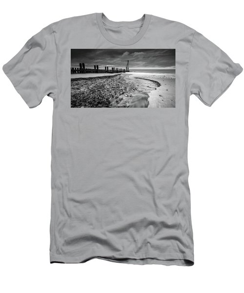 Mundesley Beach - Mono Men's T-Shirt (Athletic Fit)