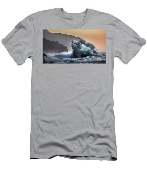 Napali Coast Hawaii Wave Explosion IIi Men's T-Shirt (Athletic Fit)