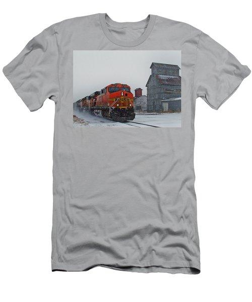 Northbound Winter Coal Drag Men's T-Shirt (Athletic Fit)