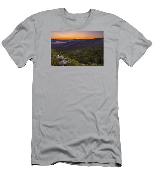 Nubble Sunrise Men's T-Shirt (Athletic Fit)