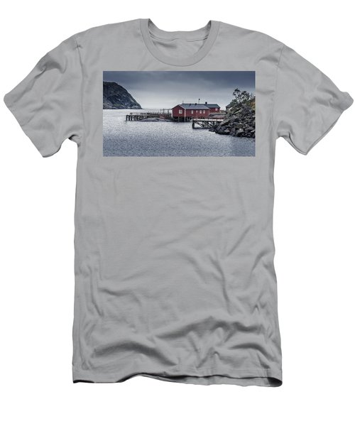 Nusfjord Rorbu Men's T-Shirt (Athletic Fit)