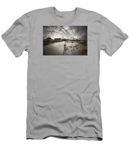 Ocean City Bw Men's T-Shirt (Slim Fit) by John Loreaux