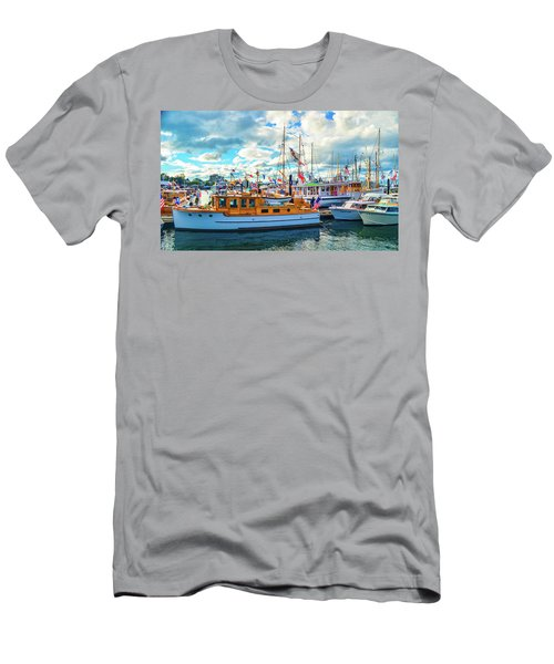 Old Boats Men's T-Shirt (Athletic Fit)