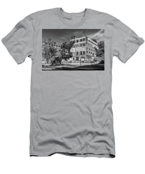 Old Brewery Men's T-Shirt (Athletic Fit)