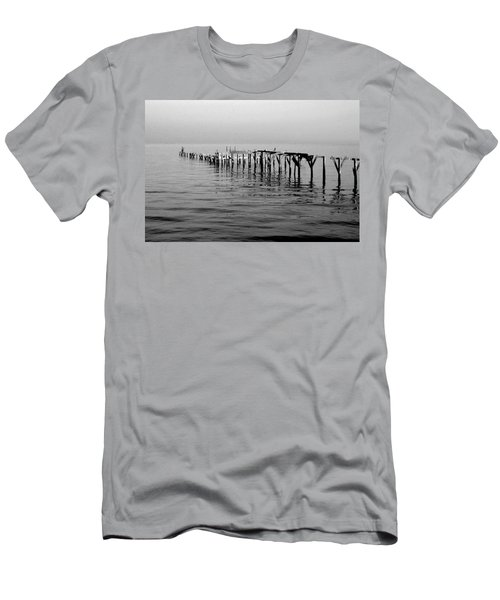 Old Dock  Men's T-Shirt (Athletic Fit)