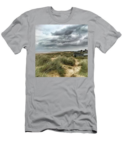 Old Hunstanton Beach, North #norfolk Men's T-Shirt (Athletic Fit)
