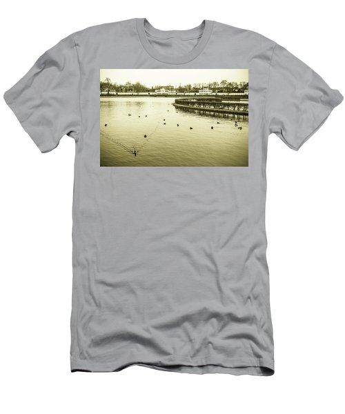 Old Munich Men's T-Shirt (Athletic Fit)