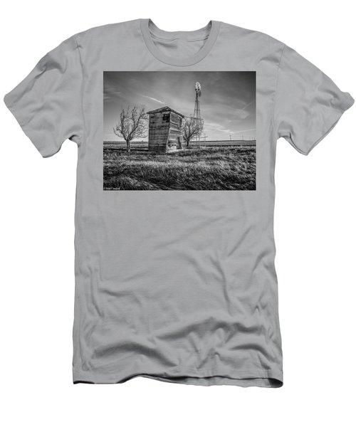 Old Windpump Men's T-Shirt (Athletic Fit)