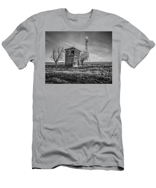 Old Windpump Men's T-Shirt (Athletic Fit)