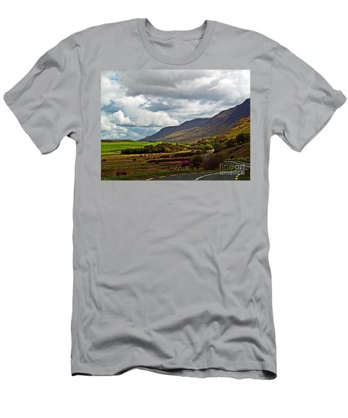 Paradise In Ireland Men's T-Shirt (Athletic Fit)
