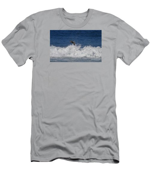 Pelican And Waves Men's T-Shirt (Athletic Fit)