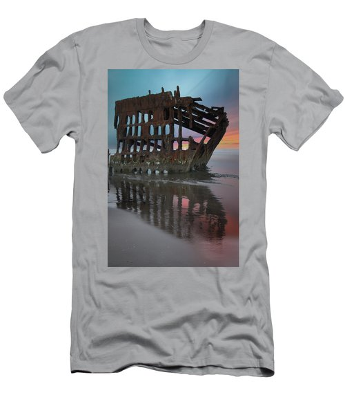 Peter Iredale Shipwreck At Sunrise Men's T-Shirt (Athletic Fit)