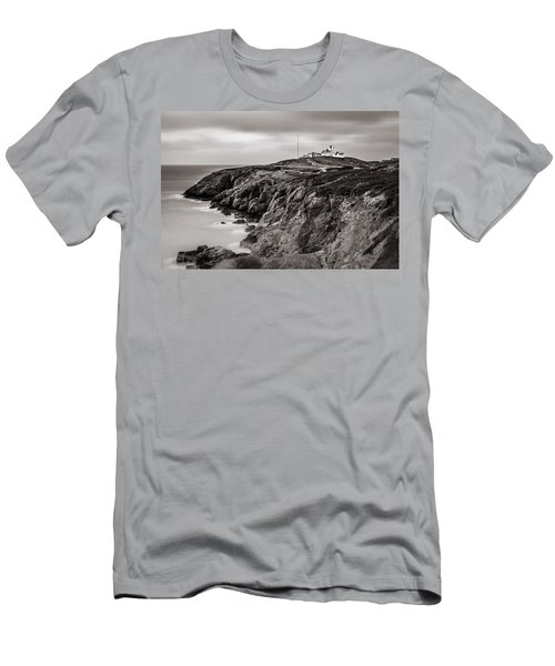 Point Lynas Lighthouse In Llaneilian On Anglesey Men's T-Shirt (Athletic Fit)