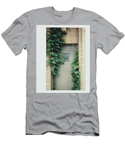Polaroid Image-ivy In The Doorway Men's T-Shirt (Athletic Fit)