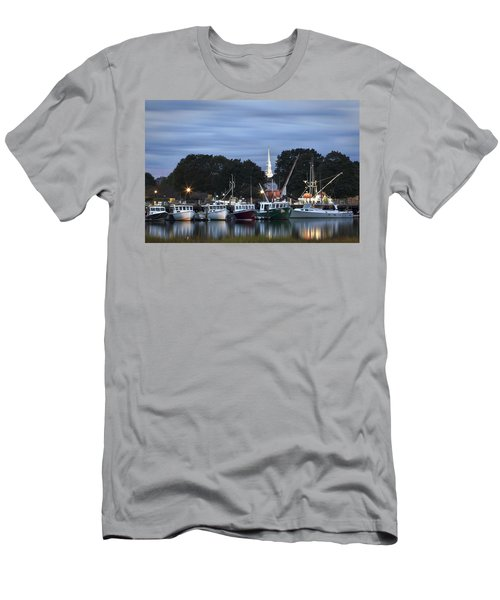 Portsmouth Fish Pier Men's T-Shirt (Athletic Fit)
