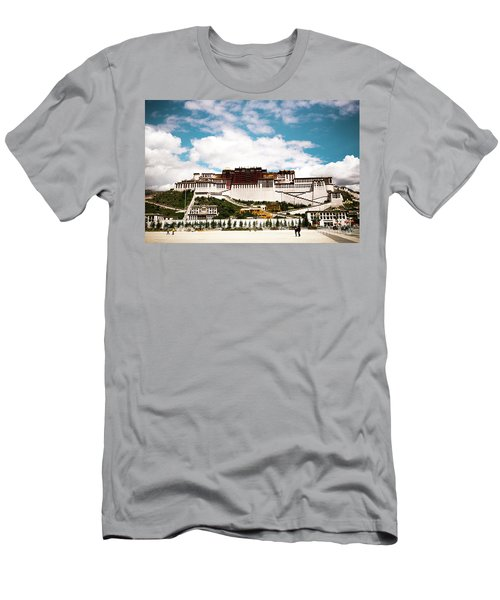 Potala Palace Dalai Lama Home Place In Tibet Kailash Yantra.lv 2016  Men's T-Shirt (Athletic Fit)