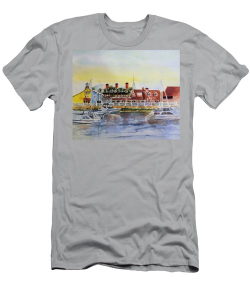 Queen Of The Shore Men's T-Shirt (Athletic Fit)