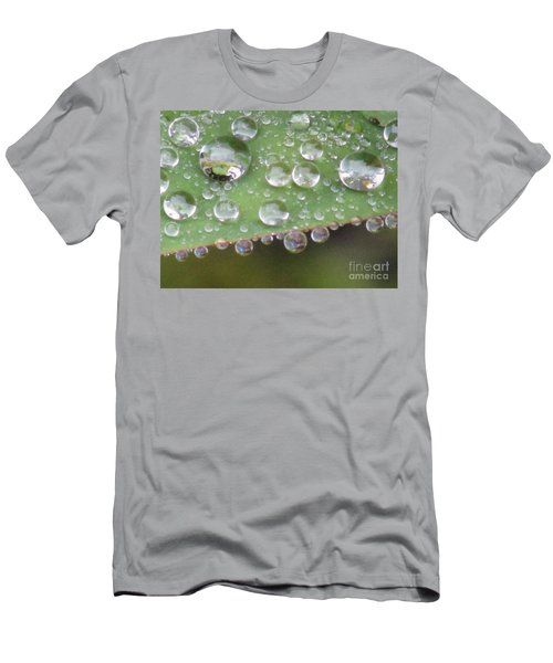 Raindrops On Leaf. Men's T-Shirt (Athletic Fit)