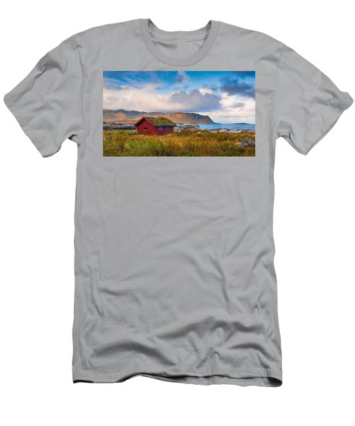 Ramberg Hut Men's T-Shirt (Athletic Fit)