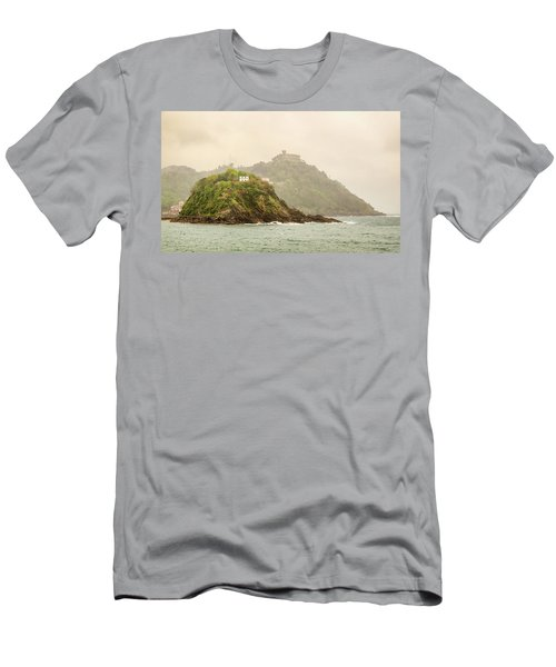 Santa Clara Island Men's T-Shirt (Athletic Fit)