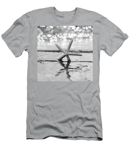 Sea Star Bw Men's T-Shirt (Athletic Fit)