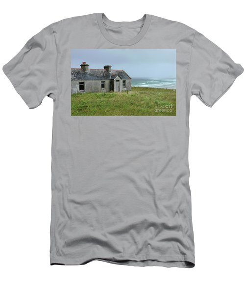 Seaside Cottage Belmullet Men's T-Shirt (Athletic Fit)