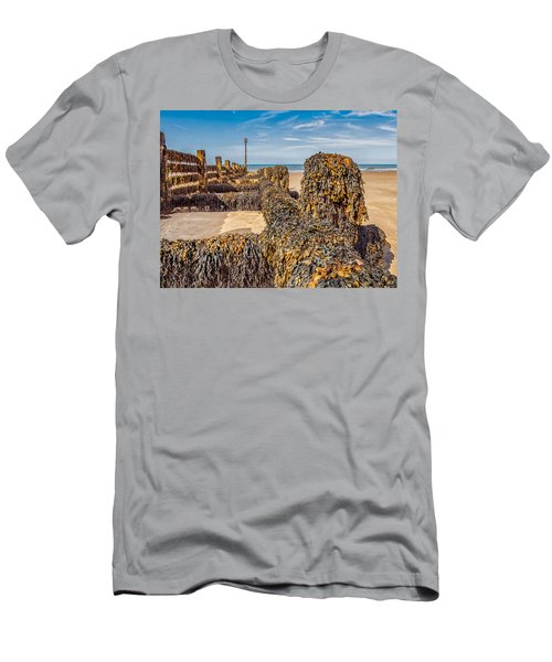 Seaweed Covered Men's T-Shirt (Athletic Fit)