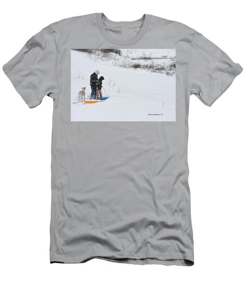 Sledding Men's T-Shirt (Slim Fit)