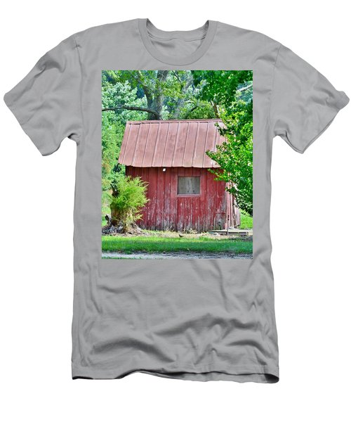Small Red Barn - Lewes Delaware Men's T-Shirt (Athletic Fit)