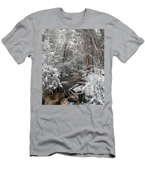 Snow Covered River Men's T-Shirt (Athletic Fit)