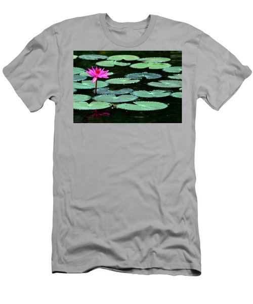 Solitary Water Lily Men's T-Shirt (Athletic Fit)