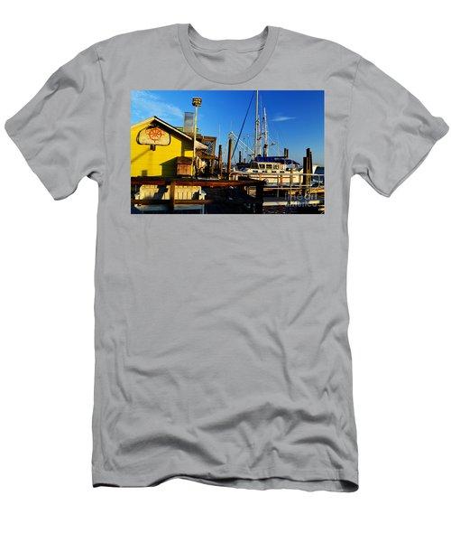 Southport Potters Seafood Pier Men's T-Shirt (Athletic Fit)