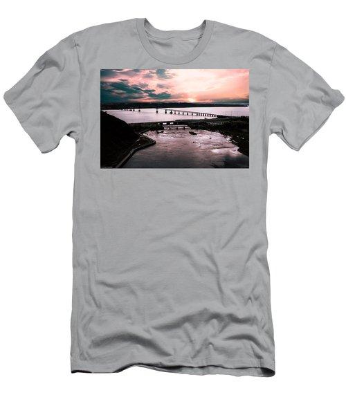 St. Lawrence Sunset Men's T-Shirt (Athletic Fit)