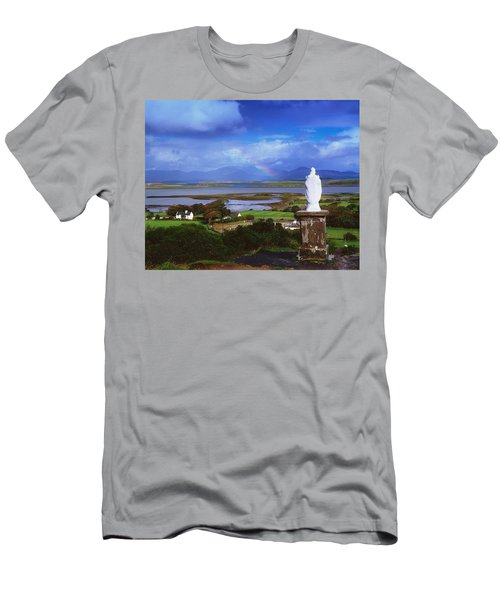 St Patricks Statue, Co Mayo, Ireland Men's T-Shirt (Athletic Fit)