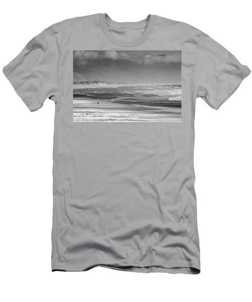 Stormy Oceanside Oregon Men's T-Shirt (Slim Fit)