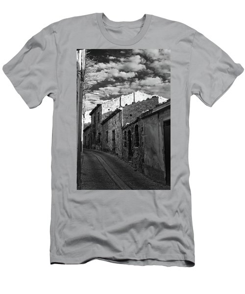 Street Little Town Men's T-Shirt (Athletic Fit)