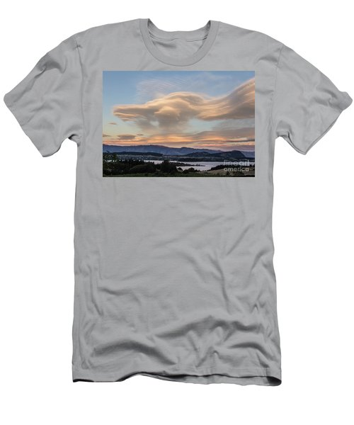 Sunset Over Lake Wanaka Men's T-Shirt (Athletic Fit)