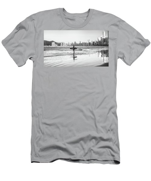 Surfer On The Beach Men's T-Shirt (Athletic Fit)