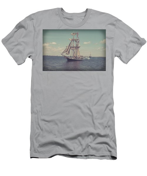 Tall Ship - 3 Men's T-Shirt (Athletic Fit)