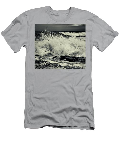 The Angry Sea Men's T-Shirt (Athletic Fit)