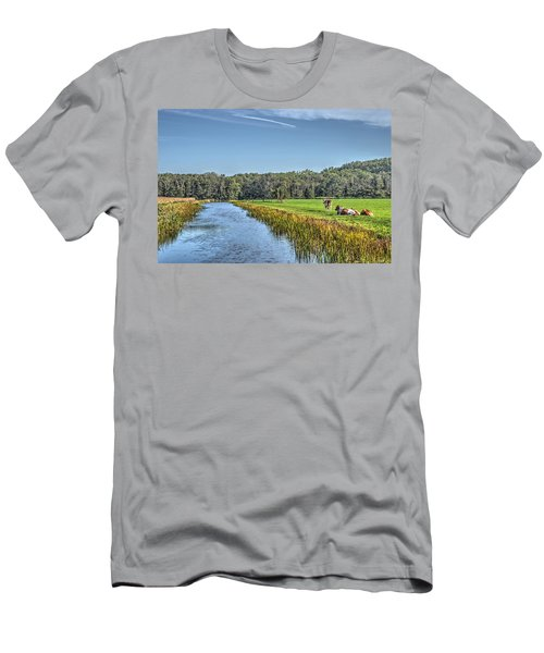 The King's Cows Men's T-Shirt (Athletic Fit)