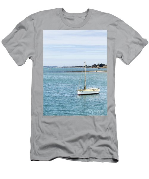 The Little Boat Men's T-Shirt (Athletic Fit)
