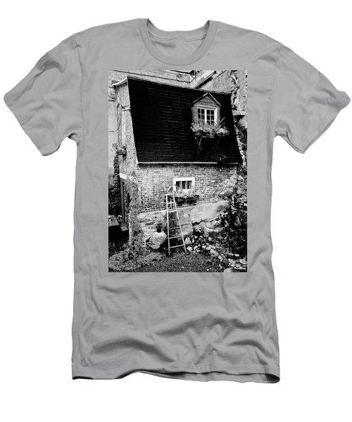 The Nest Men's T-Shirt (Athletic Fit)