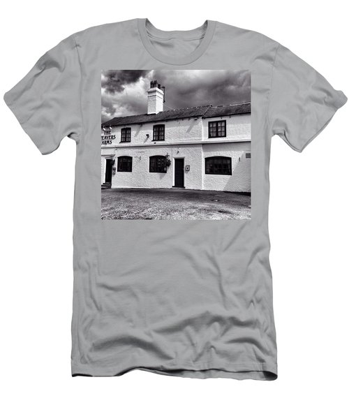 The Weavers Arms, Fillongley Men's T-Shirt (Athletic Fit)